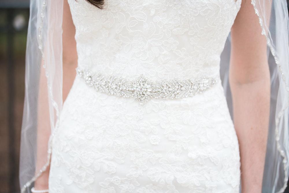 cold-weather-wedding-columbus-bride-roxanna-sue-photos-1.jpg