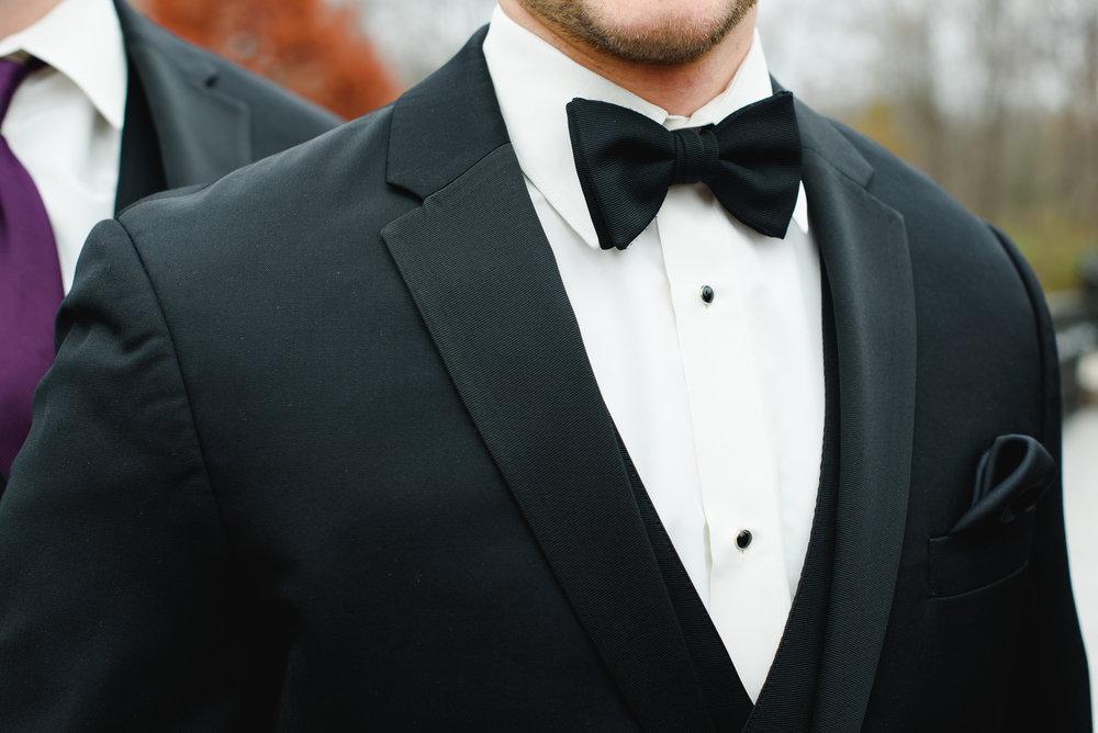 groom-black-tie-columbus-photographer-ohio-wedding-creekside-conference-1.jpg