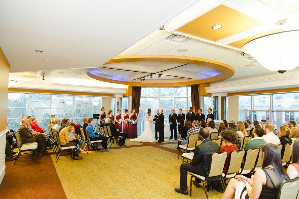 ceremony-a-ohio-lighting-ocf-columbus-wedding-couple-bridal-creekside-conference-indoor-roxanna-sue-photos-ohio-photography-1.jpg