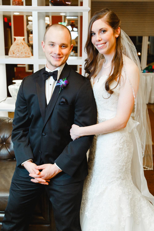 a-columbus-wedding-couple-bridal-creekside-conference-indoor-roxanna-sue-photos-ohio-photography-1.jpg