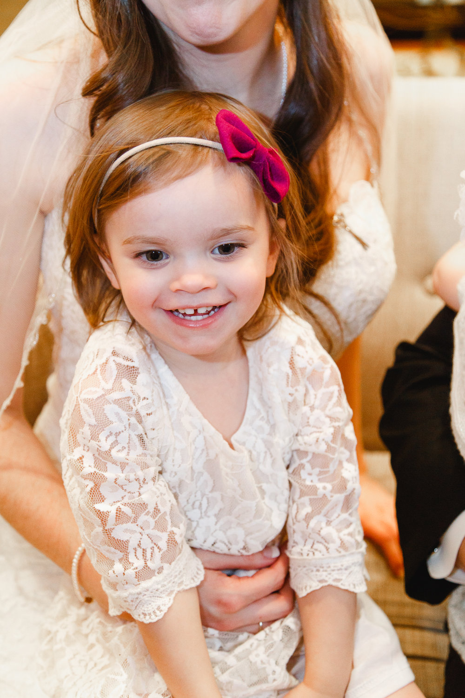 a-columbus-wedding-family-indoor-roxanna-sue-photos-ohio-photography-1.jpg
