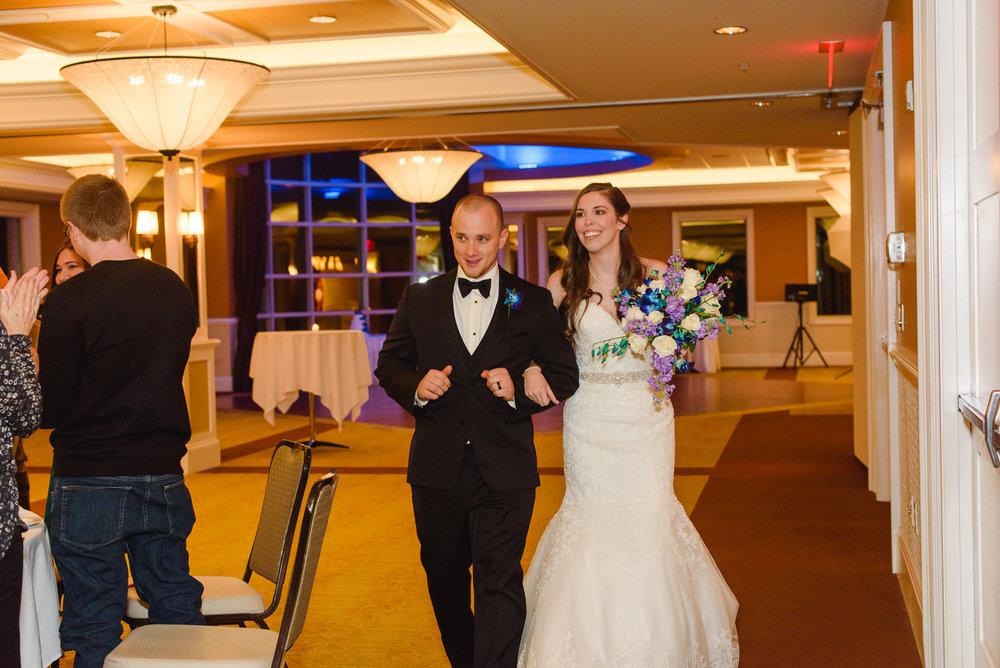 brady-ceremony-a-ohio-lighting-ocf-columbus-wedding-couple-bridal-creekside-conference-indoor-roxanna-sue-photos-ohio-photography-1.jpg