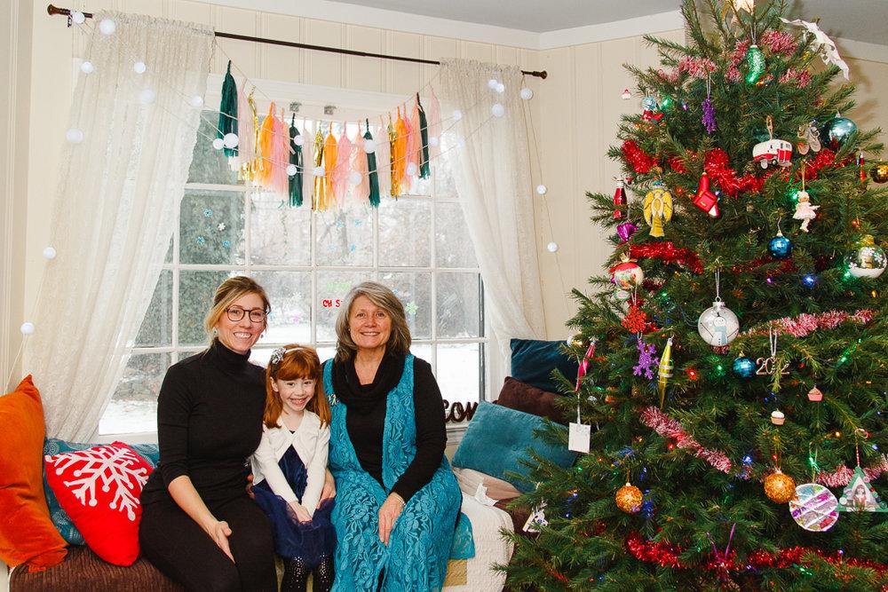 holiday-christmas-target-kids-columbus-photography-tree-1.jpg