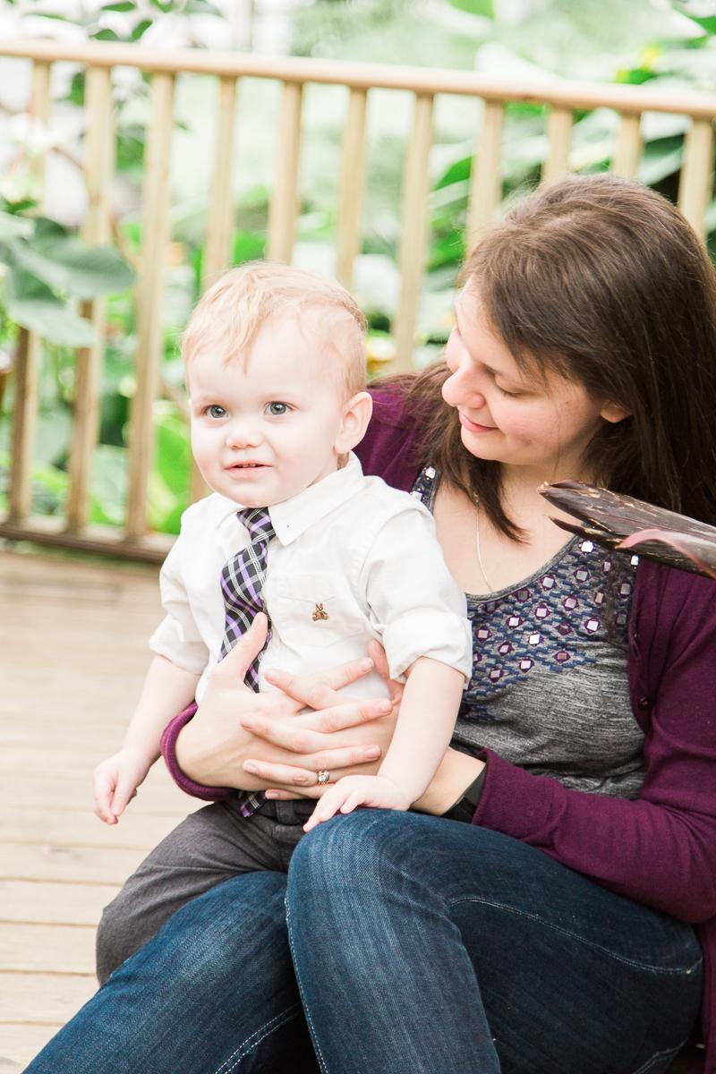 familyposingcolumbusphotographer-1.jpg
