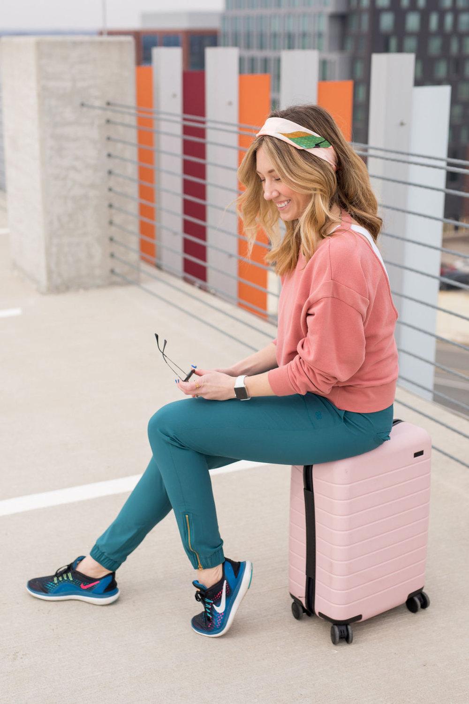 Columbus, Ohio Photographer. Travel Ohio Blogger. What To Wear Traveling.