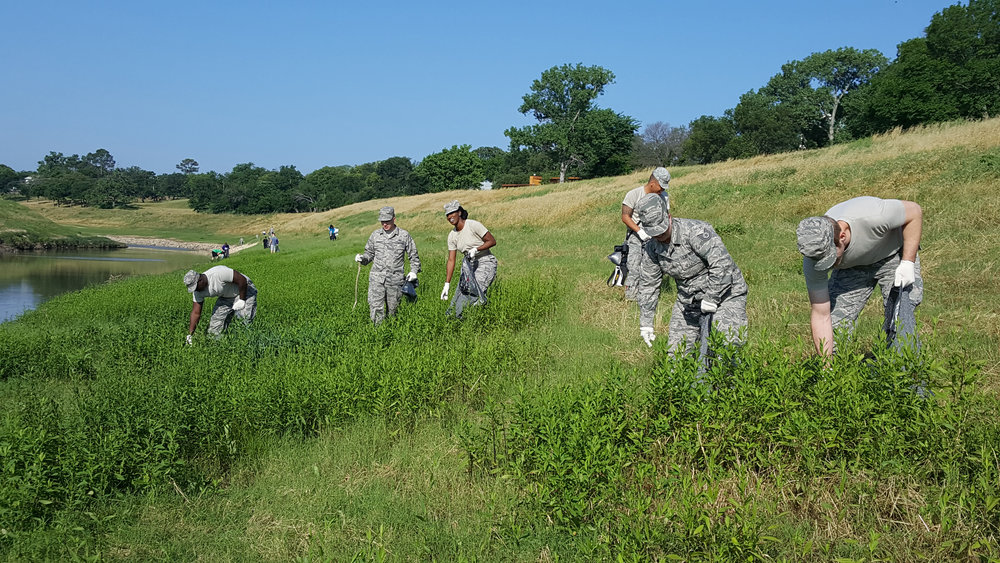national guard cleanup river 2.jpg.: