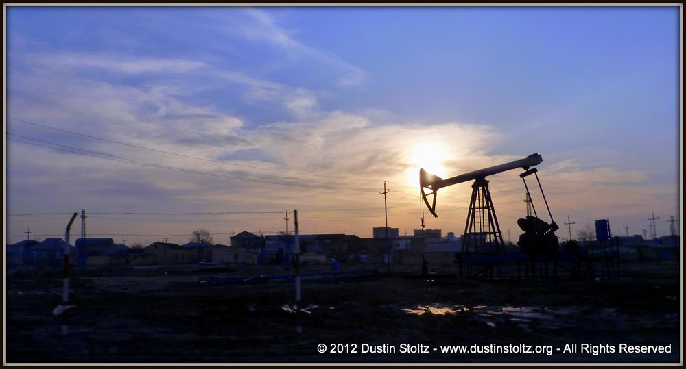 BakuOilFieldsAzerbaijan_Dustin_Stoltz_2012_The_Brief_Note.jpg