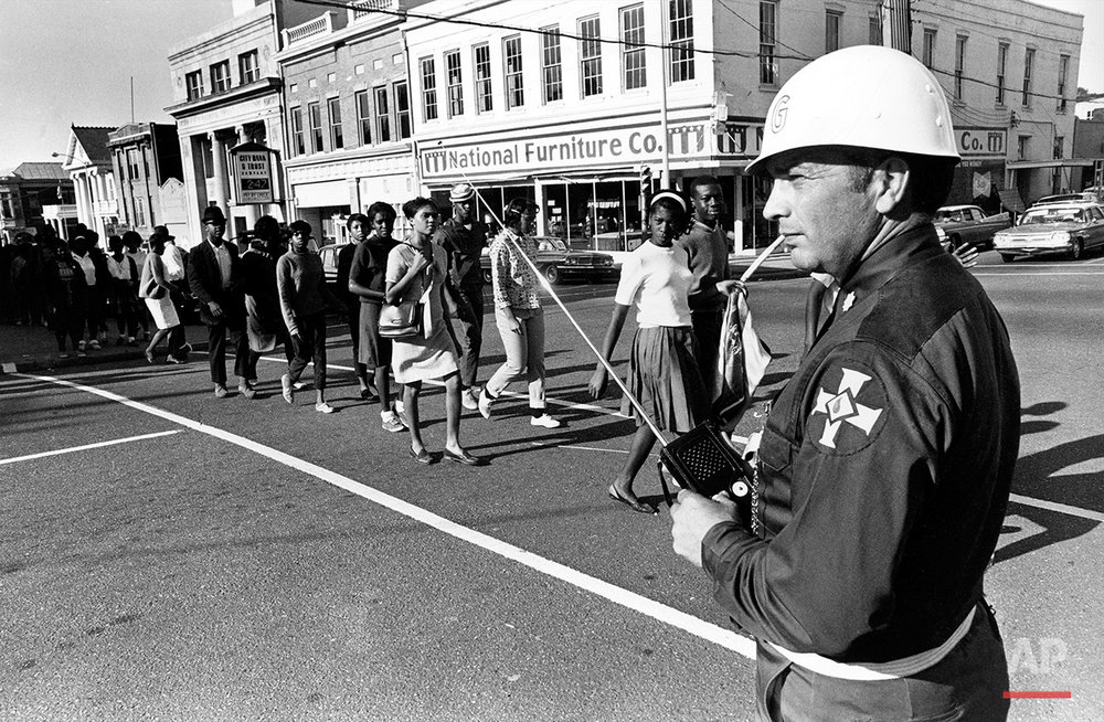 CIVIL RIGHTS MARCH KKK GUARD