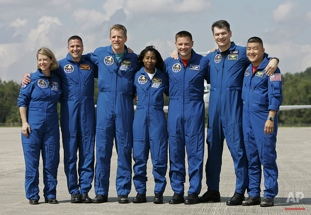 Space Shuttle Discovery Astronauts 2007