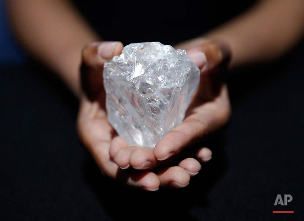 APTOPIX Huge Diamond