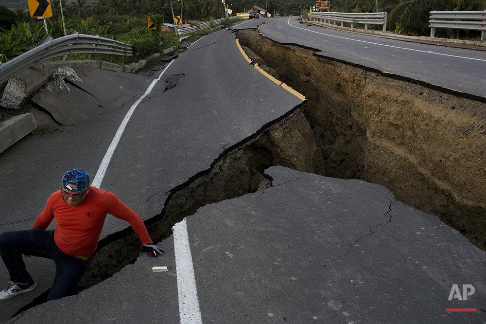 APTOPIX Ecuador Earthquake