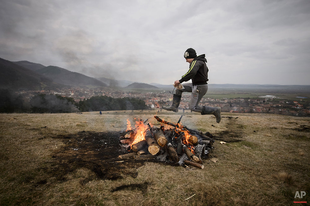 APTOPIX Romania  Burning Tires Photo Gallery