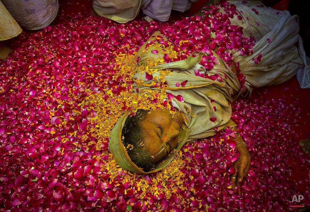 APTOPIX India Widows Holi