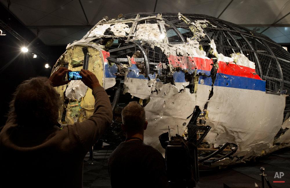 APTOPIX Netherlands Ukraine Plane