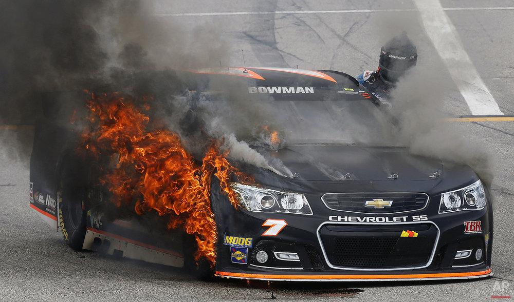 APTOPIX NASCAR New Hampshire Auto Racing
