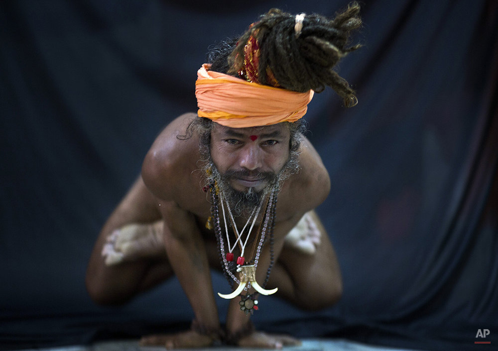 APTOPIX India Yogis Photo Package