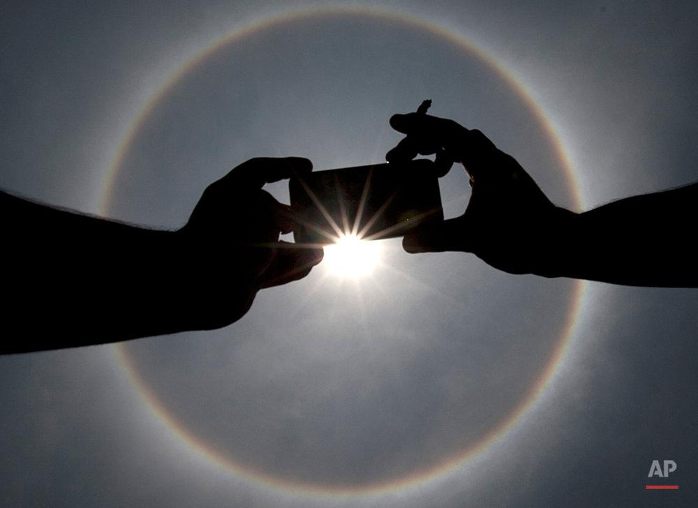 APTOPIX Mexico Sun Halo