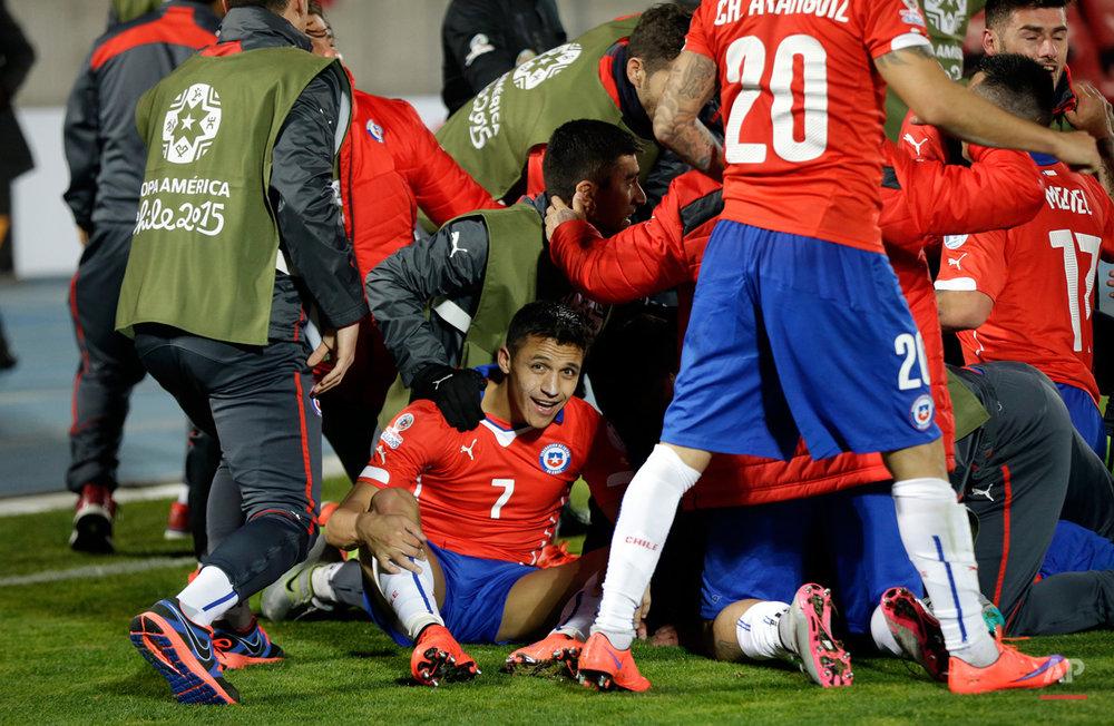 APTOPIX Chile Soccer Copa America Chile Uruguay