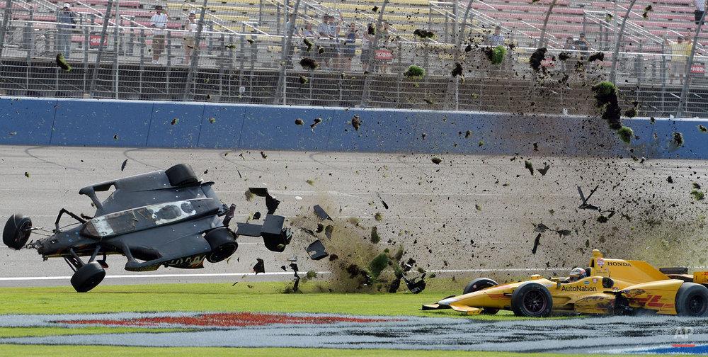 APTOPIX IndyCar Fontana Auto Racing