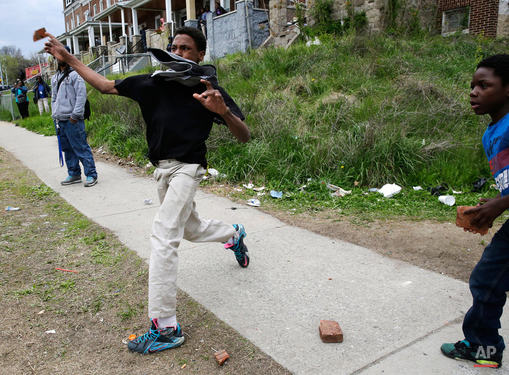 APTOPIX Suspect Dies Baltimore