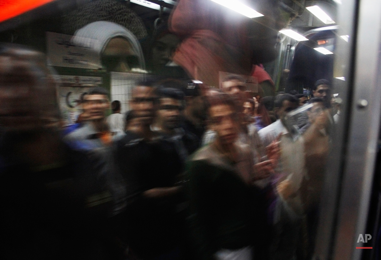 cairo subway thrives beneath the chaos ap images spotlight aptopix mideast subway photo essay