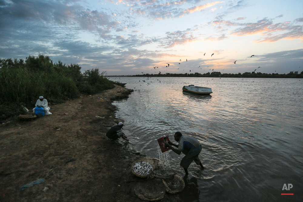 APTOPIX Mideast Sudan Nile Fishermen Photo Essay
