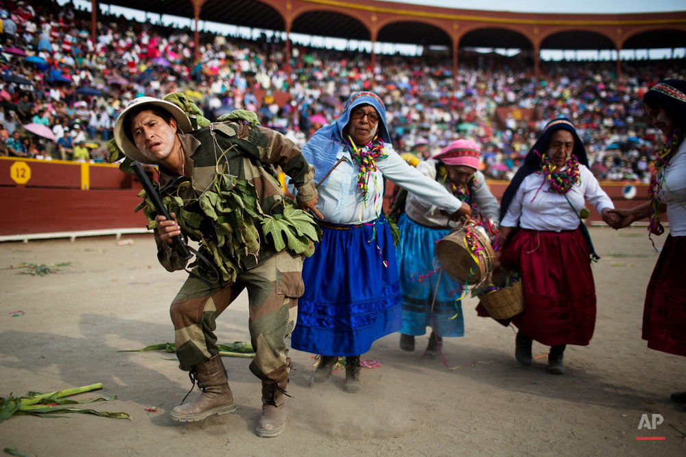 Peru Ayacucho Dancers Photo Gallery