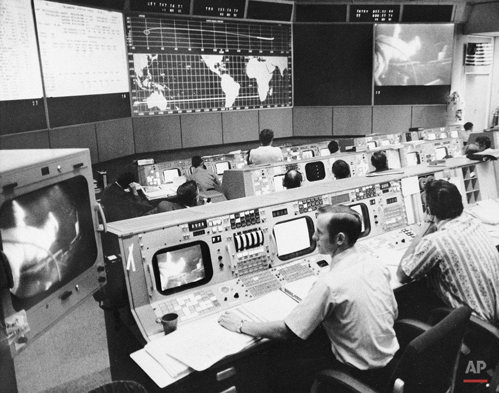 NASA MISSION CONTROL APOLLO 15