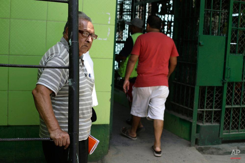 Peru Aged Inmates Photo Essay