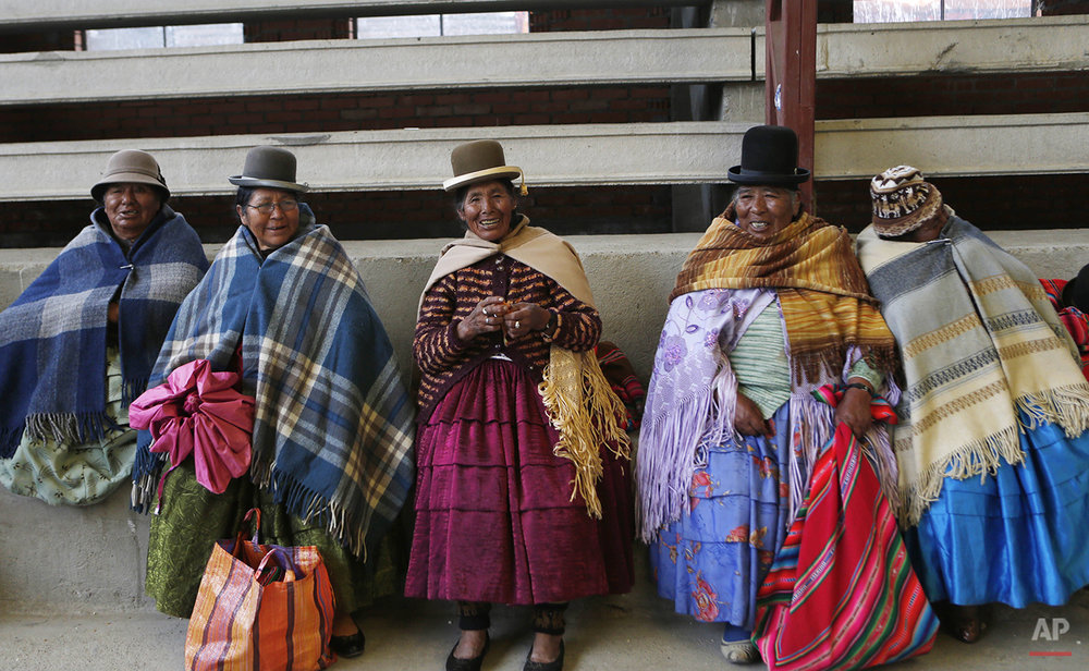 Bolivia Grandmothers Handball Photo Essay