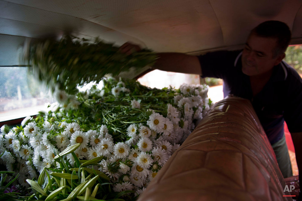 Cuba Flower Vendor Photo Essay