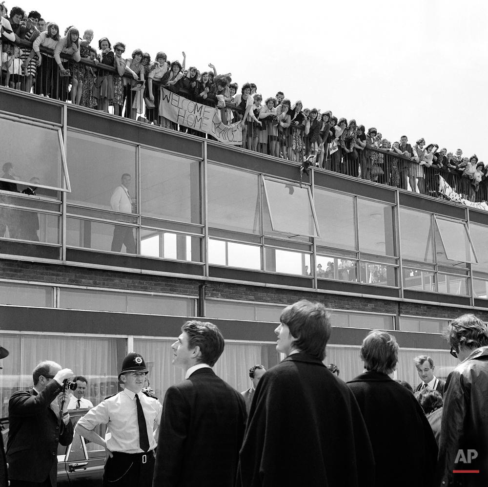 London Beatles Arrive at London Airport