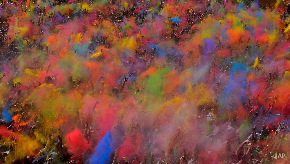 YE Spain Holi Festival