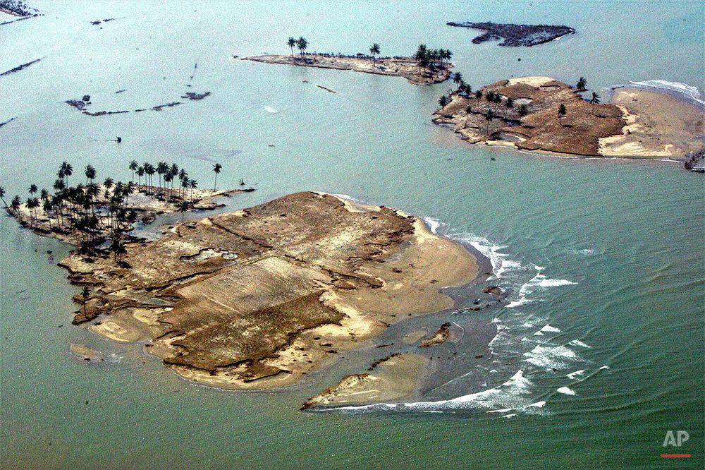 INDONESIA QUAKE TIDAL WAVE