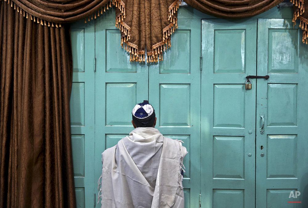 APTOPIX Mideast Iran Jews