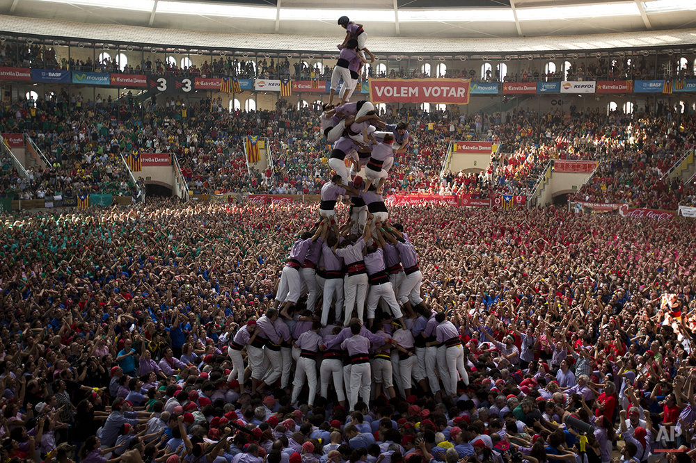 APTOPIX Spain Human Tower