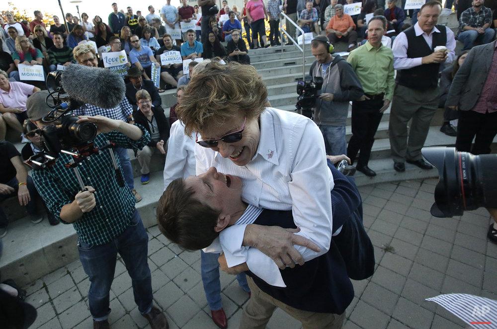 APTOPIX Supreme Court Gay Marriage Utah