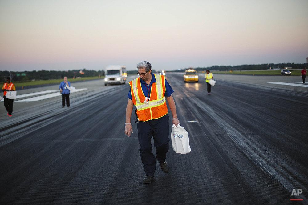 Atlanta Runway Cleanup Photo Gallery