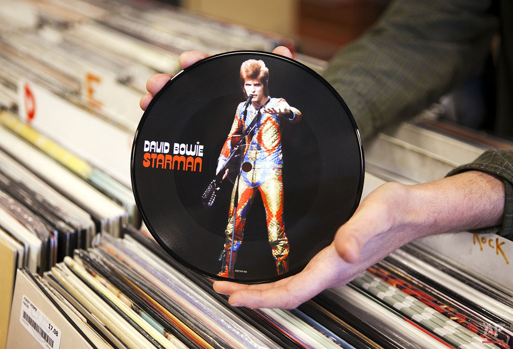 "A copy of David Bowie's ""Starman"" record is seen, Thursday, April 19, 2012, in Scarborough, Maine. The seven-inch vinyl record is being released for Record Store Day on Saturday, April 21. (AP Photo/Robert F. Bukaty)"