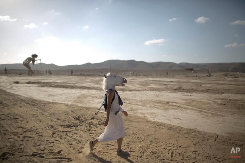 APTOPIX Mideast Israel Burning Man Photo Essay