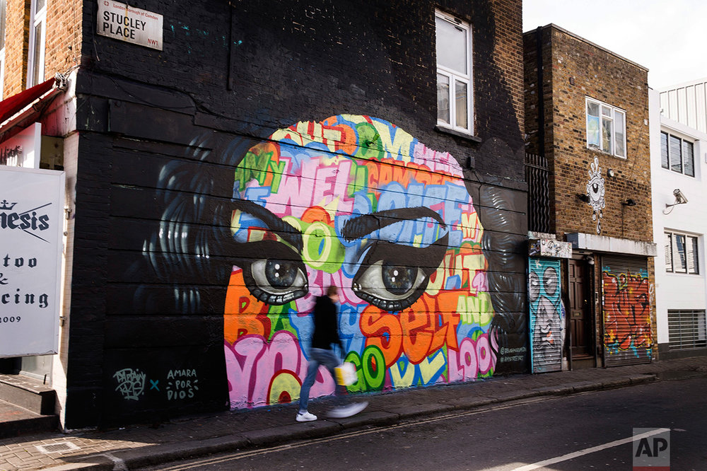 Britain Winehouse Graffiti