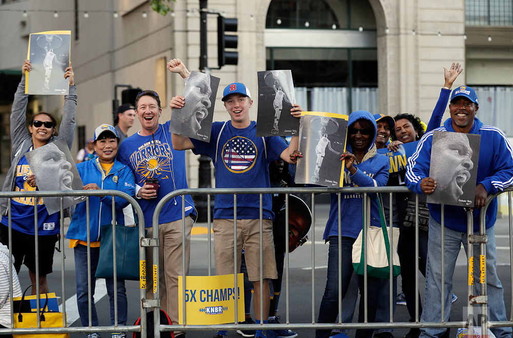 Warriors Parade Basketball