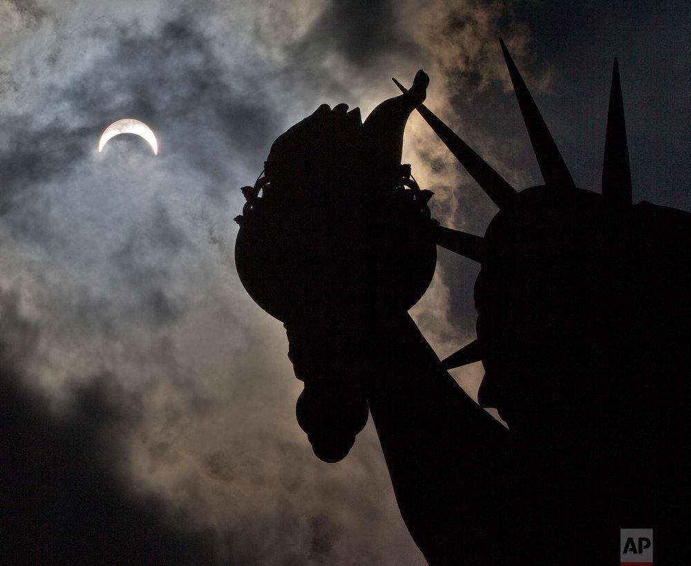 APTOPIX Eclipse New York