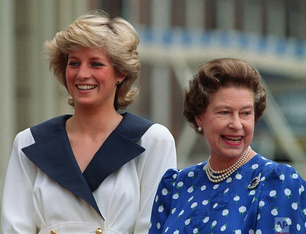Princess Diana and Queen Elizabeth in 1987