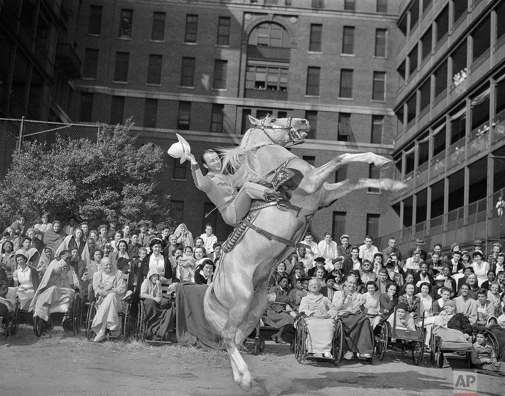 Roy Rogers | Oct. 13, 1943