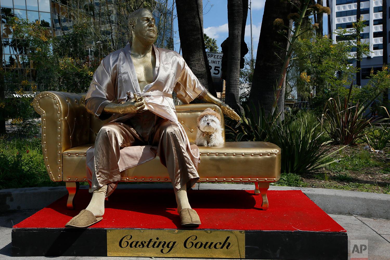 Oscars Weinstein Statue