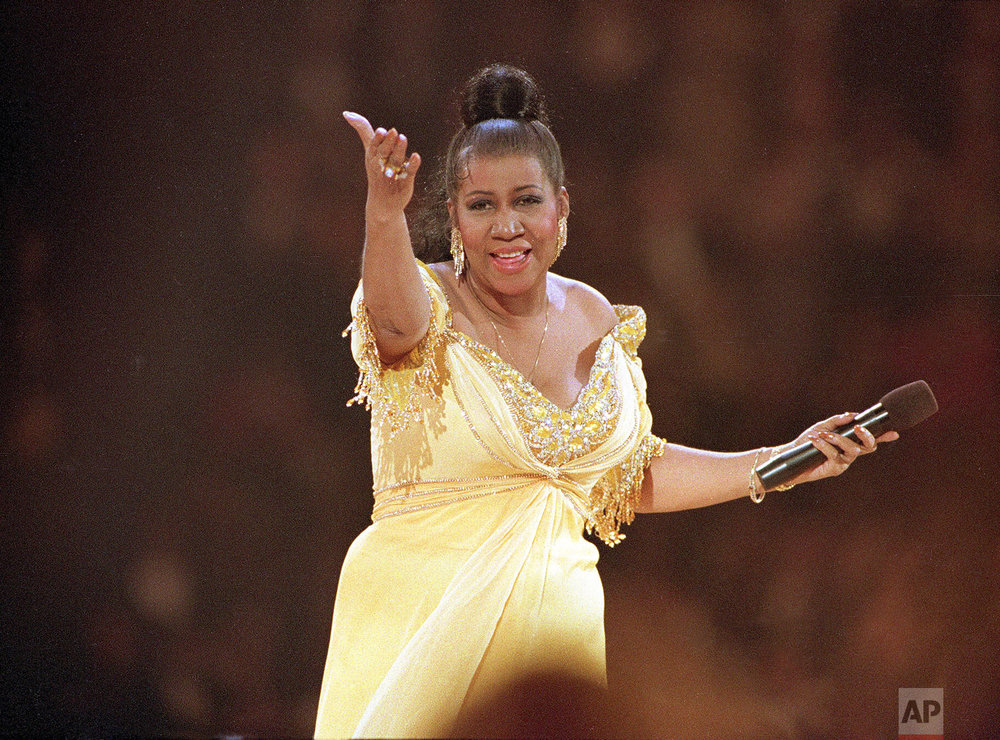 Rhythm and Blues singer Aretha Franklin performs at the inaugural gala for U.S. President Bill Clinton in Washington D.C. on Jan. 19, 1993. (AP Photo/Amy Sancetta)