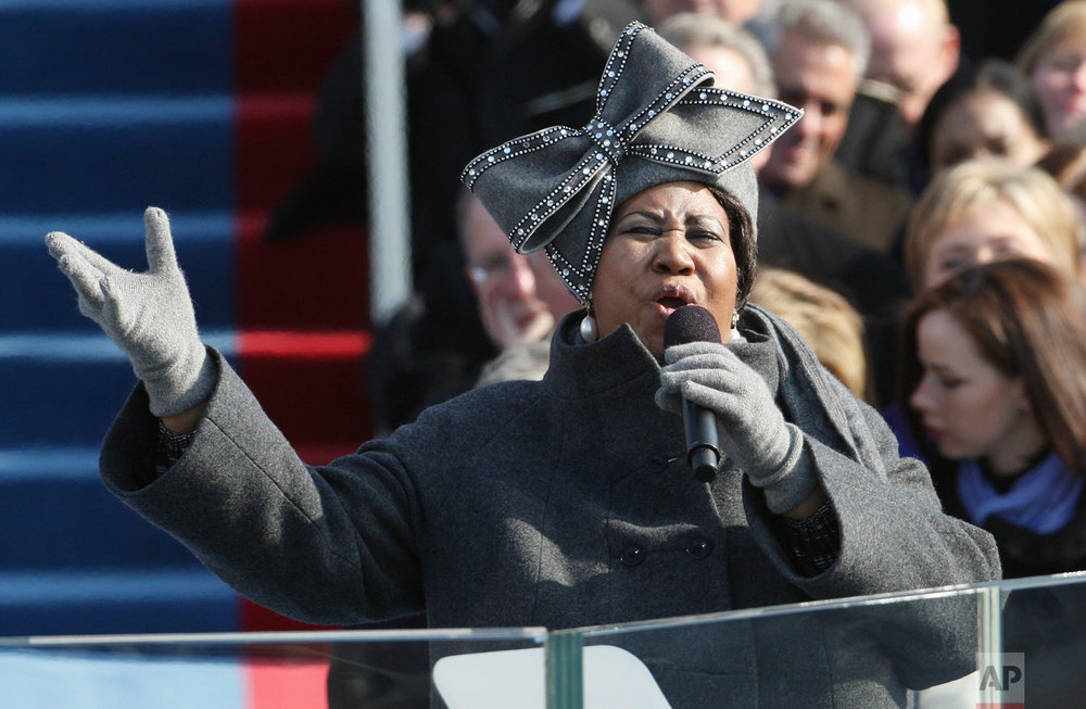 Aretha Franklin performs at the swearing-in ceremony at the U.S. Capitol in Washington, Tuesday, Jan. 20, 2009. (AP Photo/Ron Edmonds)