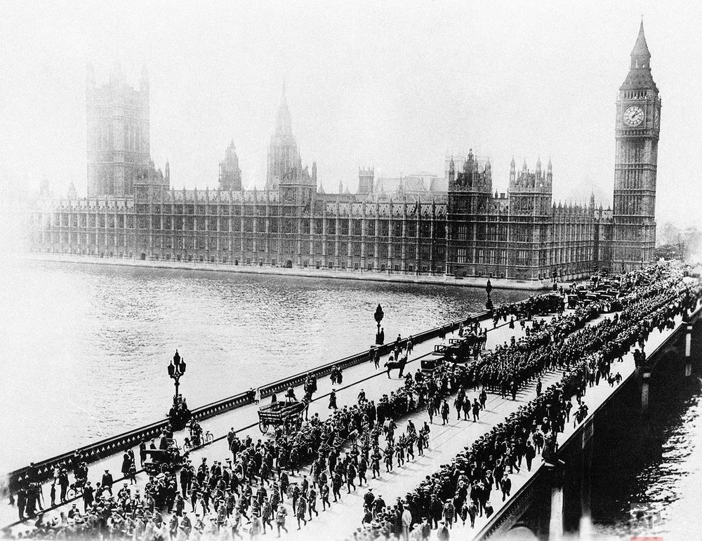 In this 1917 photo provided by the U.S. Signal Corps, the first 5,000 American soldiers to reach England march across historic Westminster Bridge in London. (AP Photo/U.S. Signal Corps)