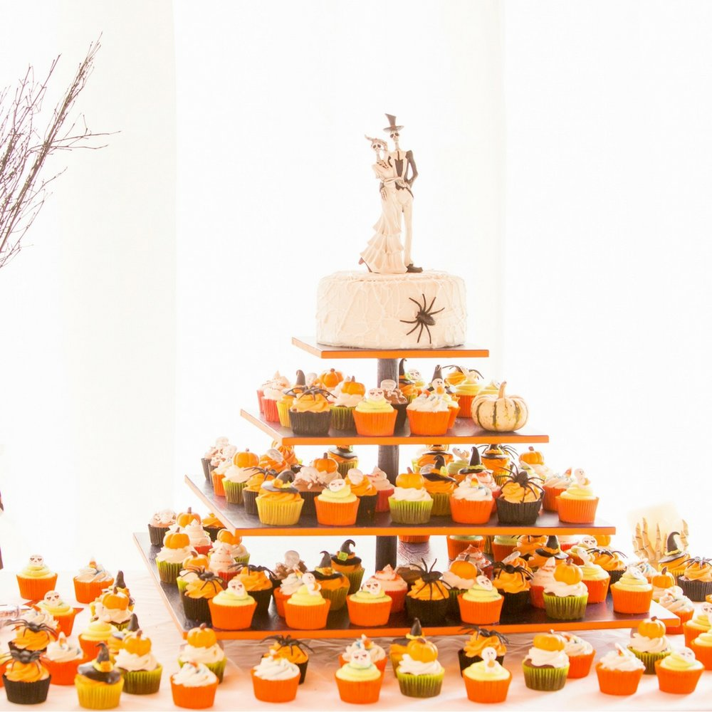 Cupcake Display Wedding Dessert Nieto Photography.jpg